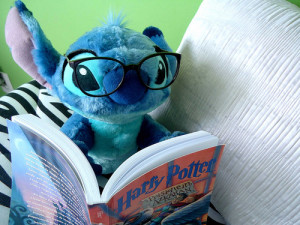 Is this the reader you're writing for? Because Stitch is adorable but his tastes might be a little alien. (Picture by calling_all_angelz)